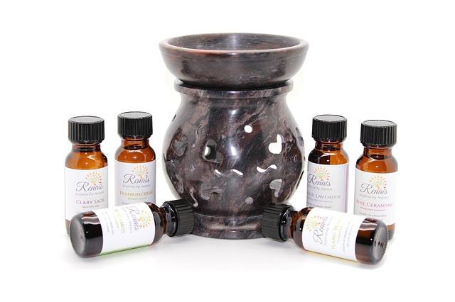 Aromathérapie : diffuseur d'huiles essentielles végétales